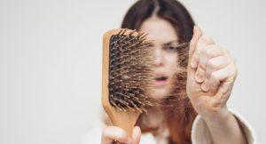 Saç dökülmesinin nedenleri ve tedavisi