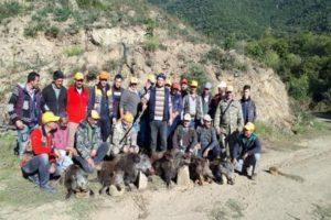 Aydın'da çiftçinin imdadına avcılar yetişti