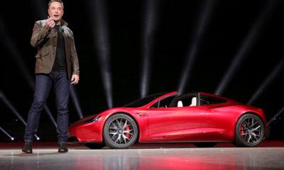 Uçan araç Tesla birkaç sene içerisinde gelecek