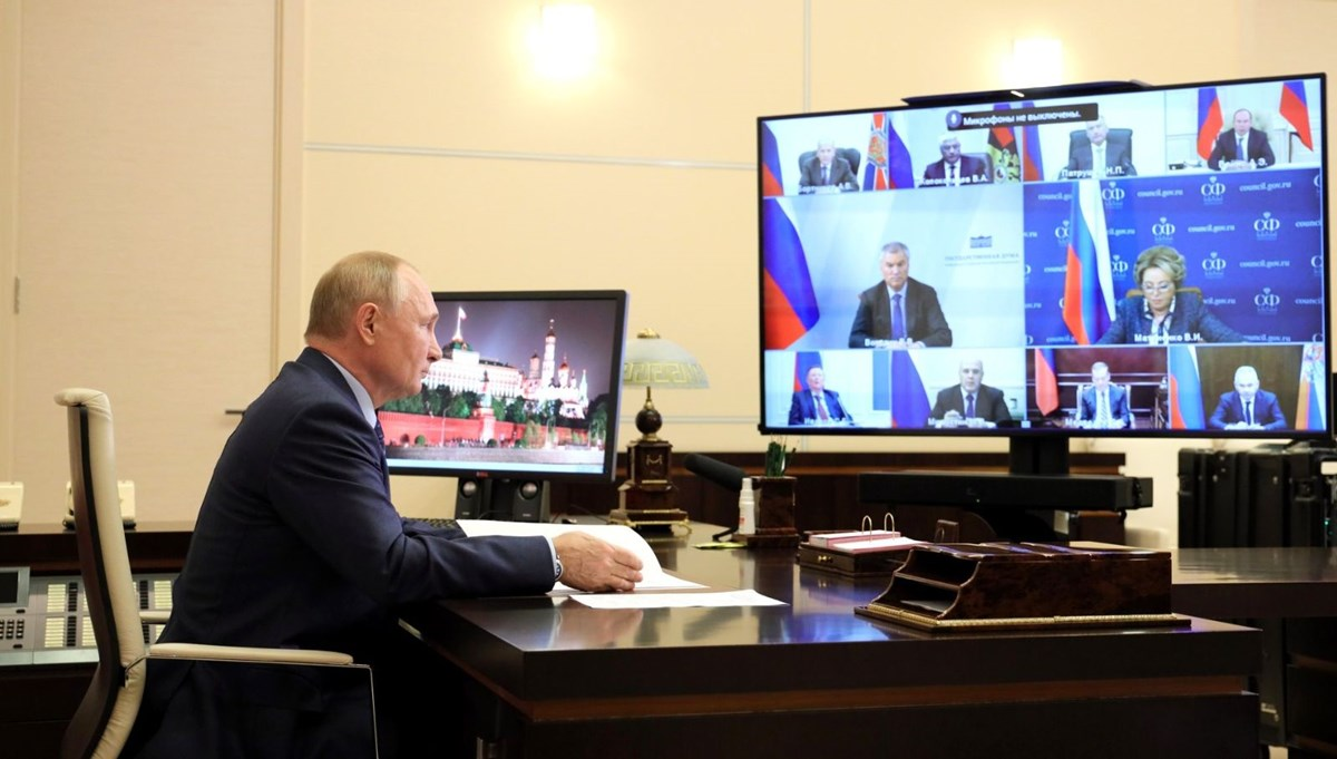 Öksürdüğü fark edilen Putin: Her şey yolunda