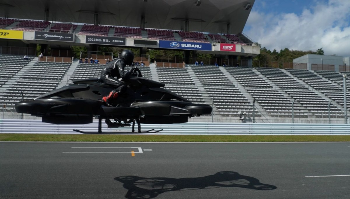 Uçan motosiklet üretildi